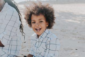 Etnisch profileren leren aan kind
